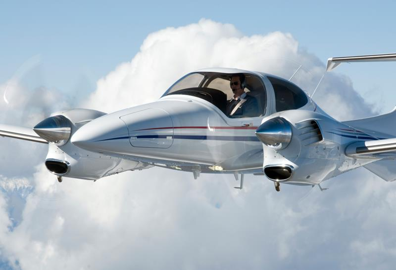 Diamond DA42 NG + 2 Piloten